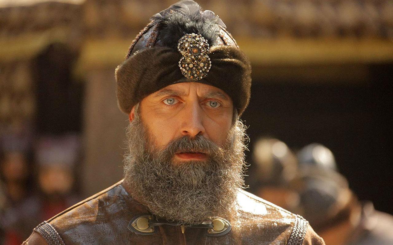Halit Ergenç Muhteşem Yüzyıl'dan sonra ilk kez sakalını kesti bambaşka birine dönüştü
