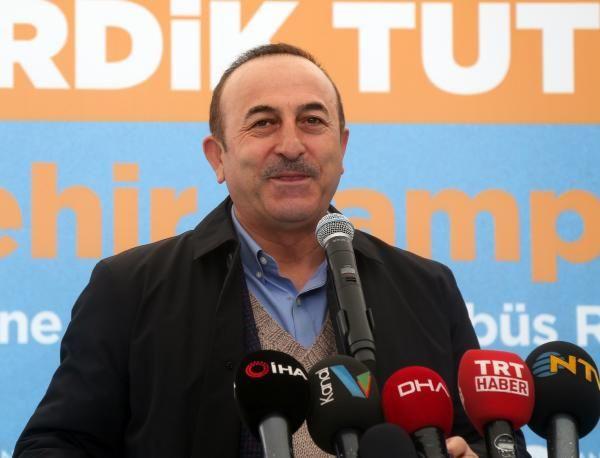 Mevlüt Çavuşoğlu'nun güldüren kazak anısı eşim beğendiği kazağımı makineye atıp...