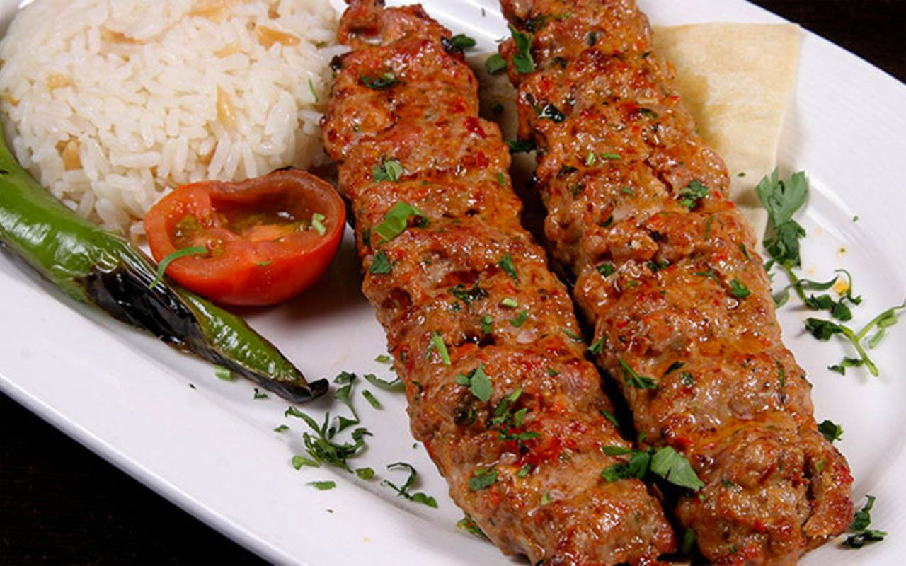 canan-karatay-adana-kebabi-pilav-J3fL.jpg