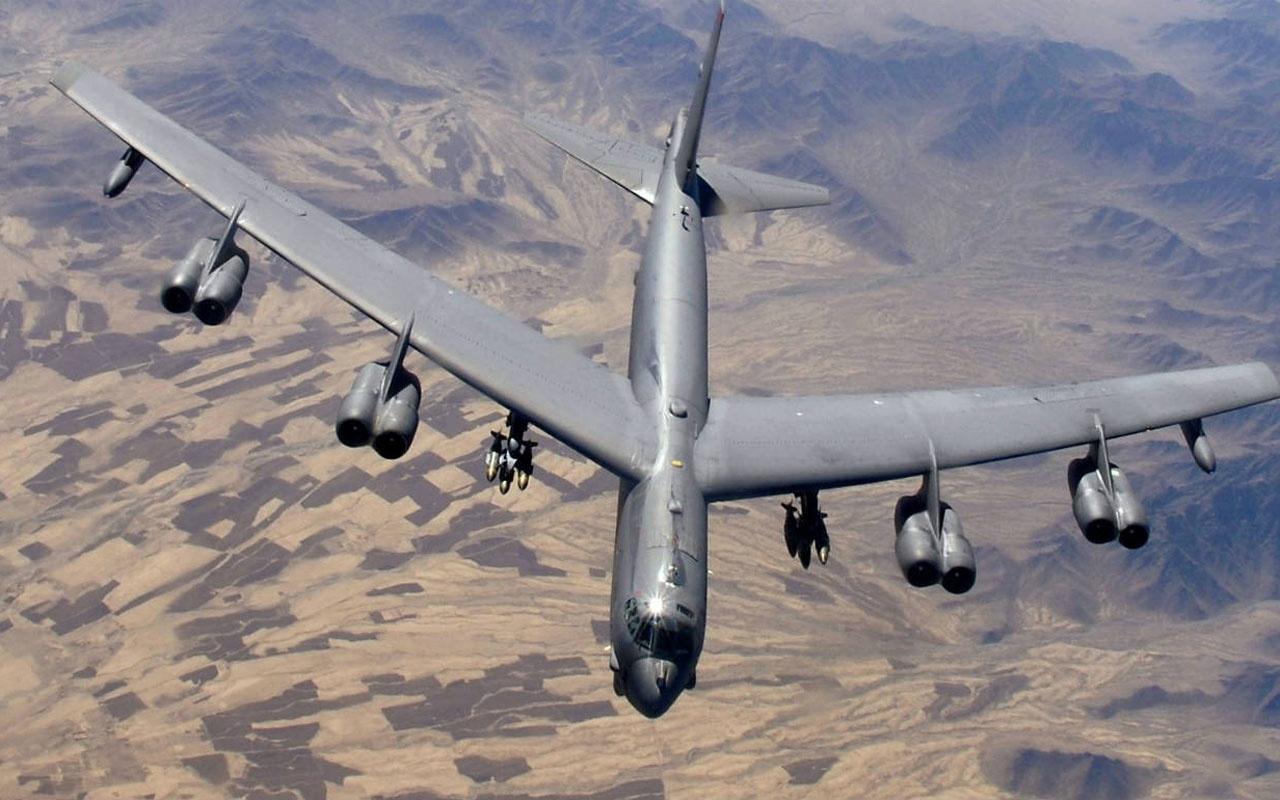 ABD'nın bombardıman uçağı B-52H Rusya sınırına kadar gitti