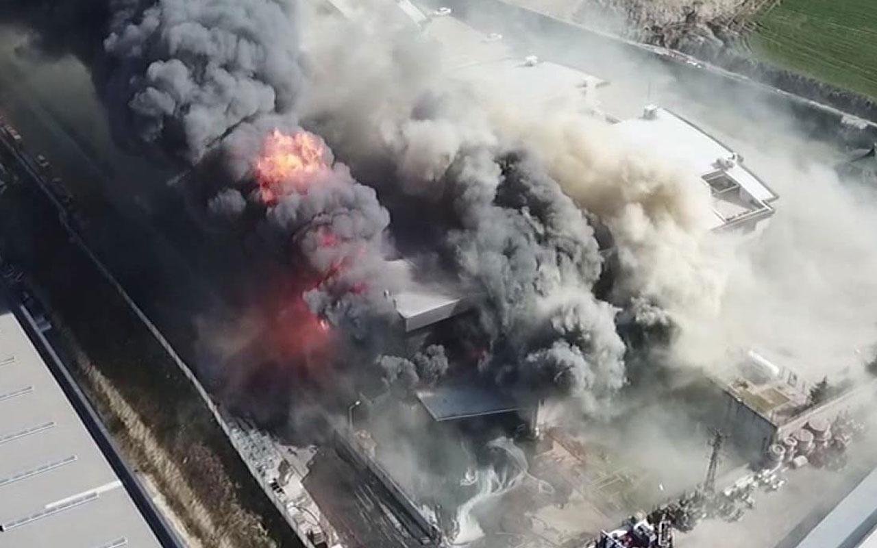 Hadımköy'de büyük fabrika yangını! Patlamalar oluyor