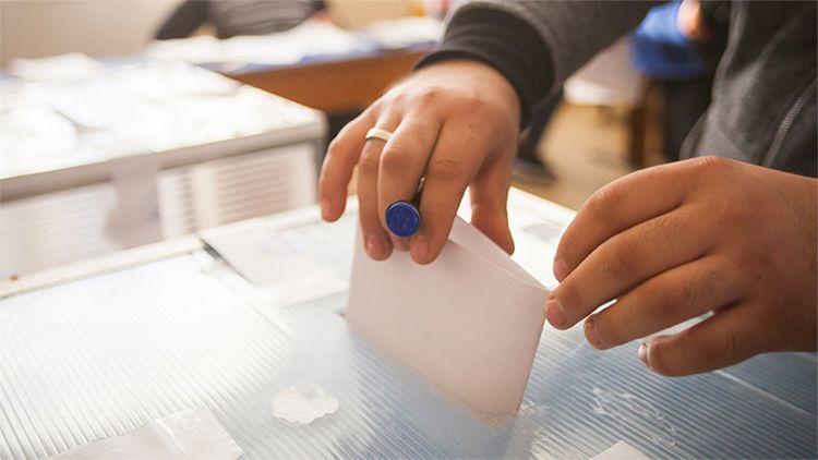 Gezici seçim anketi kafaları karıştırdı 7 kent içinde Ankara anketine bakın