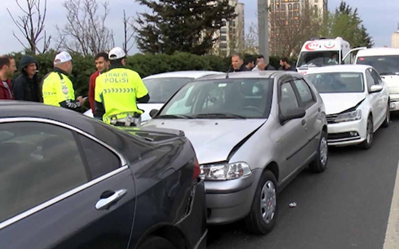 E-5'te zincirleme kaza: 4 araç birbirine girdi