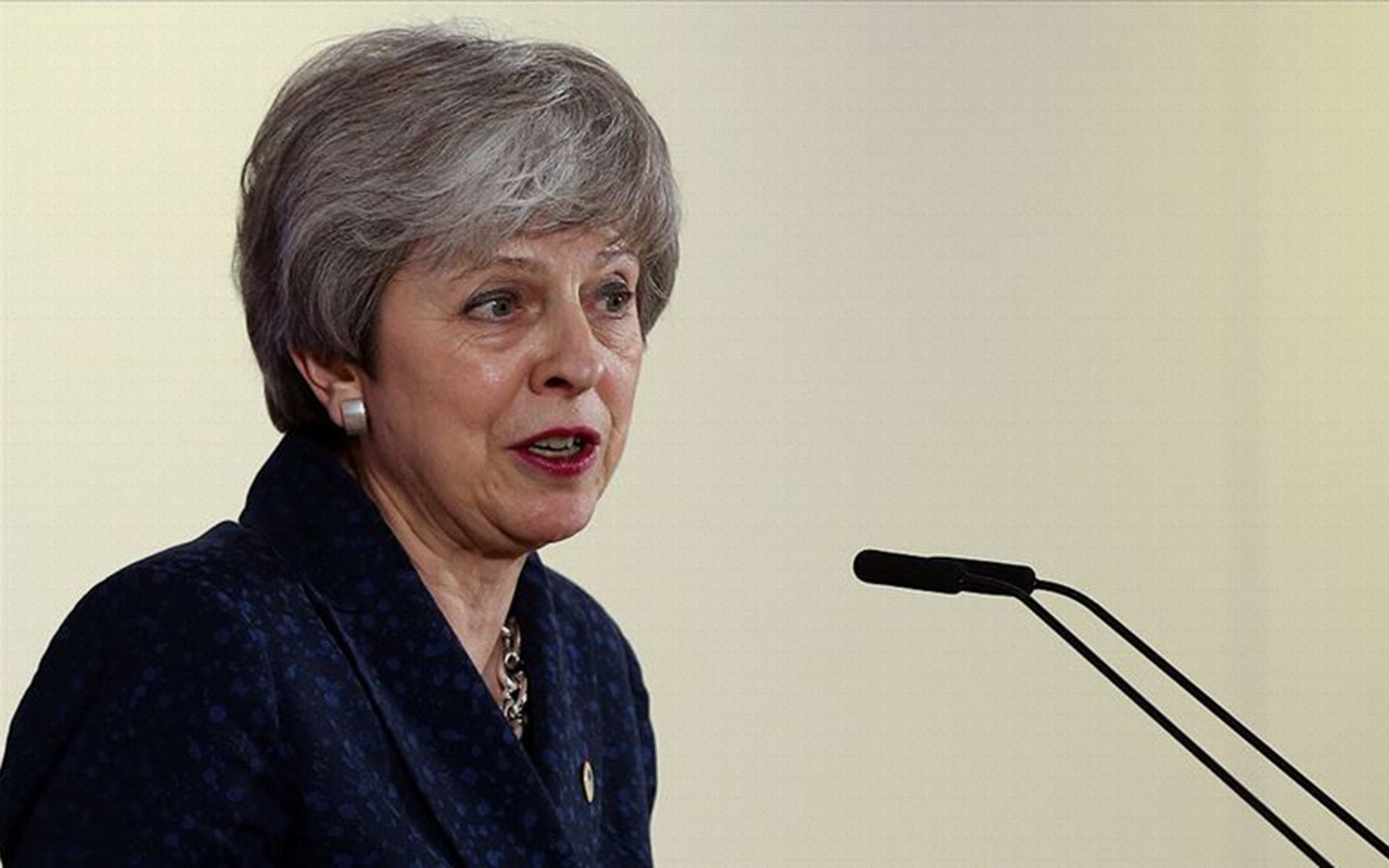 İngiltere Başbakanı May'den 'İstifaya hazırım' mesajı