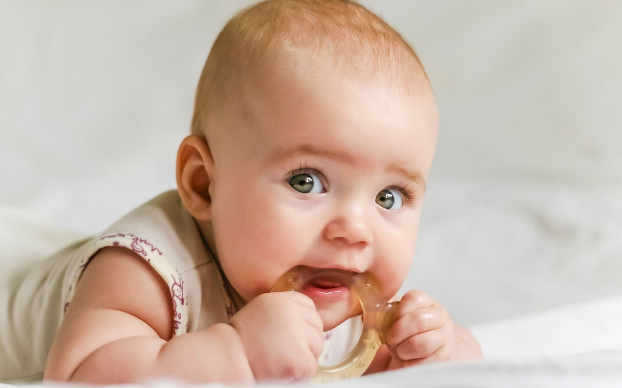 Bebeklerde diş çıkarma ağrıları kaç gün sürer?
