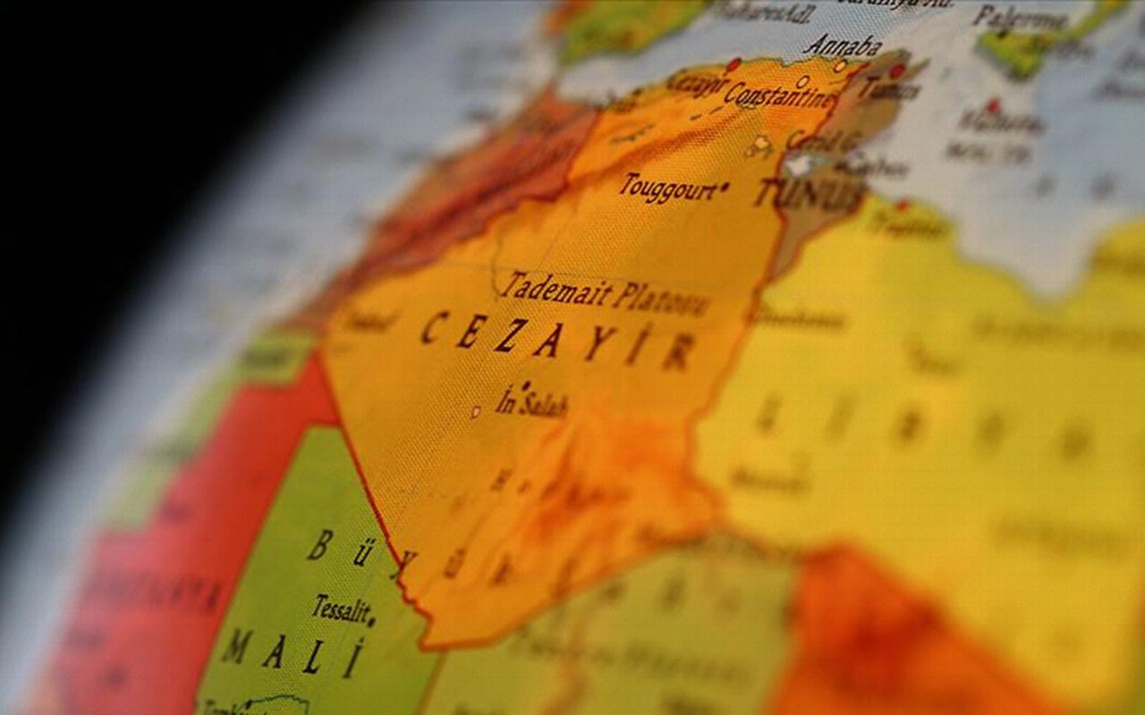 Cezayir Genelkurmay Başkanı cumhurbaşkanı makamının boşaltılmasını istedi