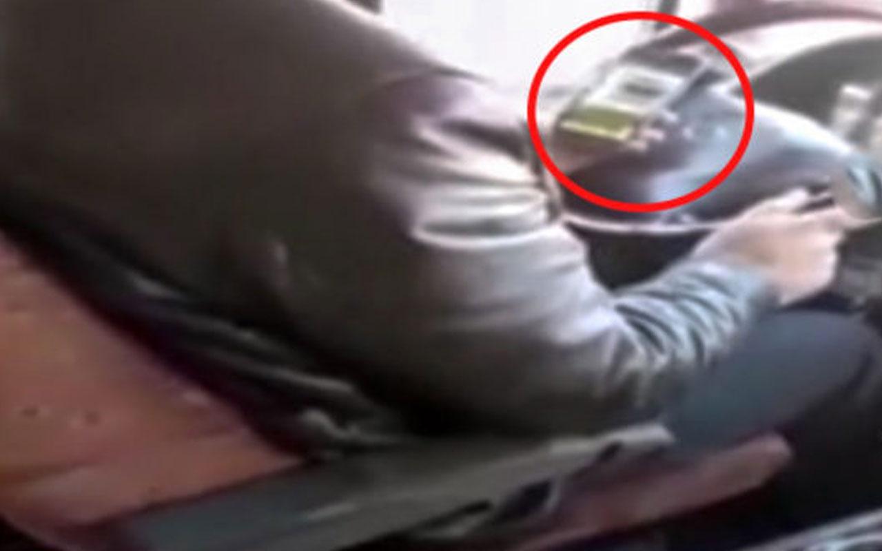 Seyir halindeyken cep telefonuyla ilgilenen şoför