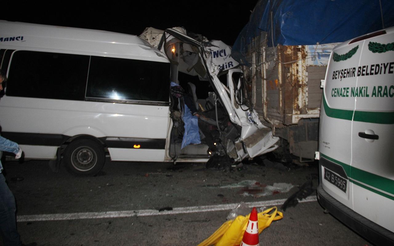 Konya'da feci kaza: Çok sayıda ölü ve yaralı var!