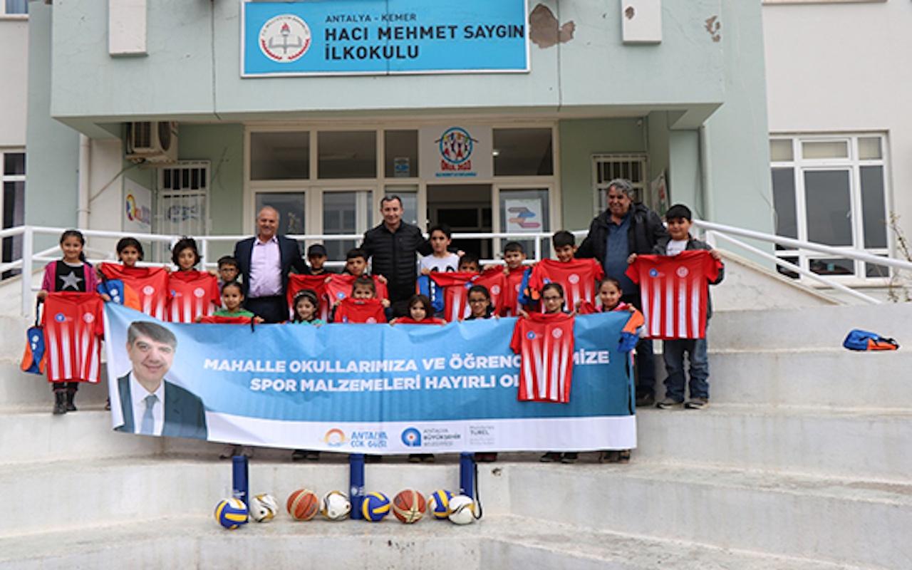 Büyükşehir Belediye kırsaldaki öğrencileri spora teşvik ediyor