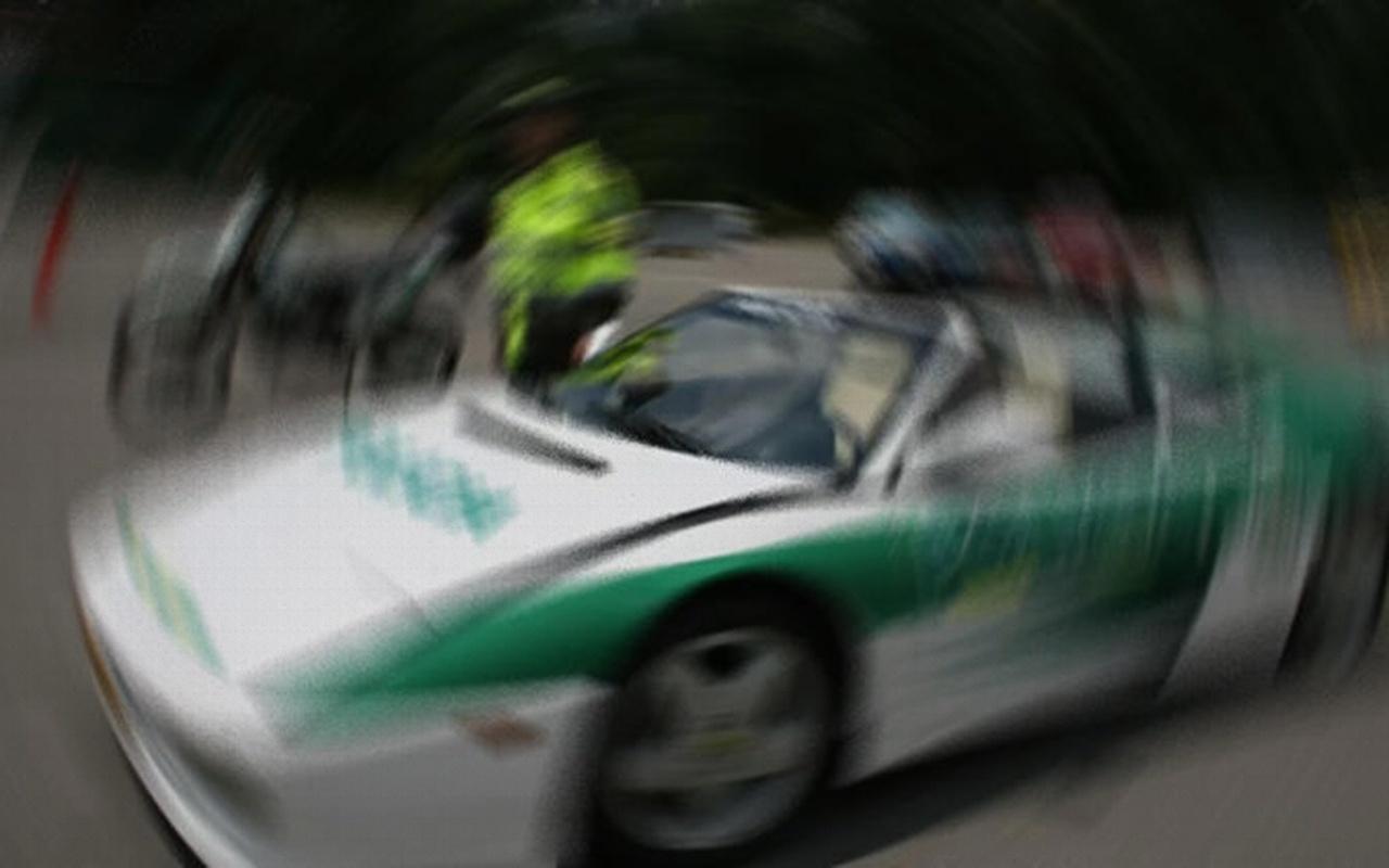 Kolombiya'da bir polis memuru devriye aracını 8 polise sattı