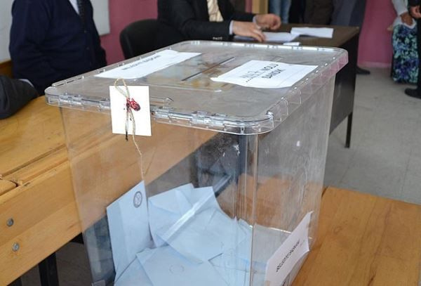 Seçim anketi Adil Gür'den! 25-30 il el değiştirecek AK Parti, HDP ve CHP var - Sayfa 15