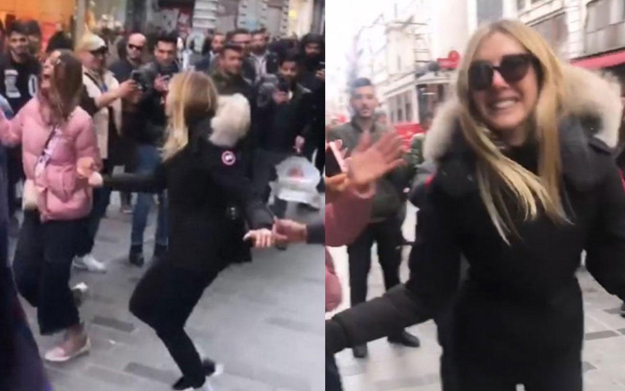 Şeyma Subaşı Taksim'de halay çekti!