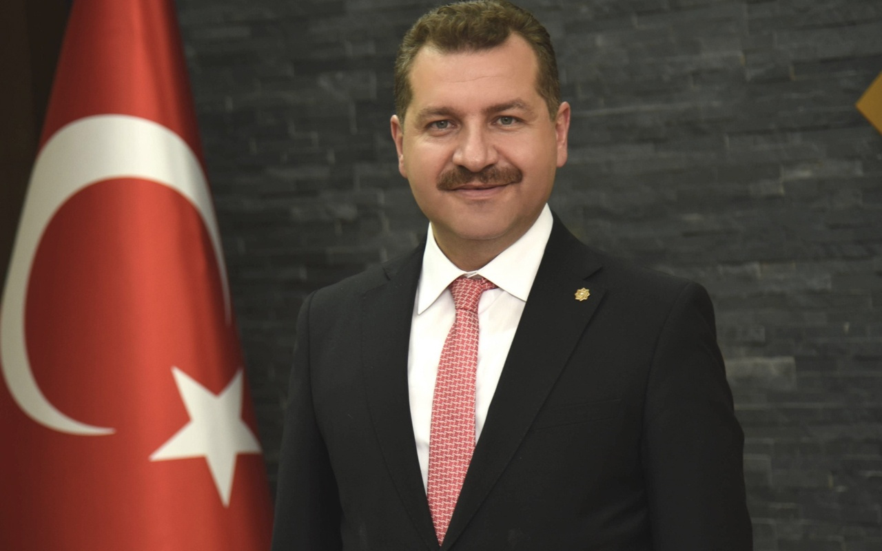 Yücel Yılmaz kimdir aslen nereli Balıkesir belediye başkanı oldu eşi bakın kim?