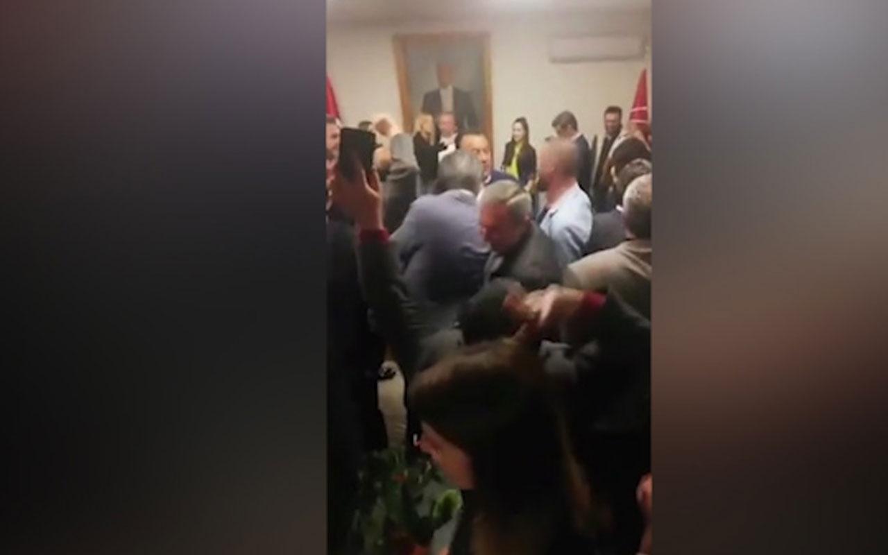 CHP Genel Merkezi'nde tekbir sesleri