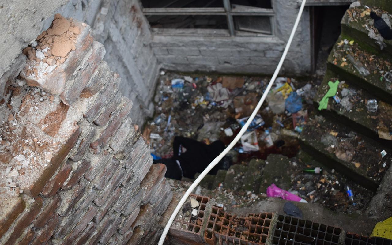 Malatya'da apartman bodrumunda ceset bulundu