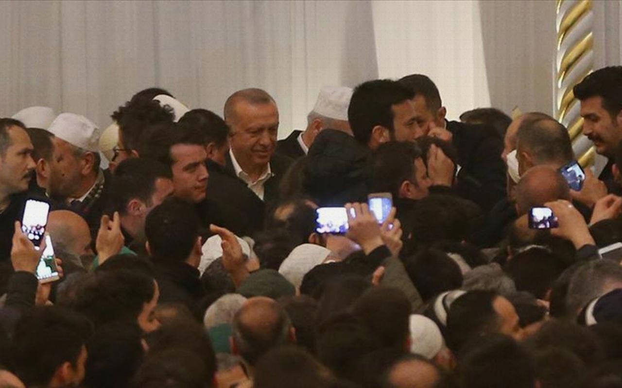Cumhurbaşkanı Erdoğan, Çamlıca Cami'nde Kur'an okudu