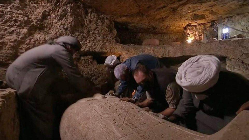 Mısır'da 2 bin 500 yıllık lahit canlı yayında açıldı içinden çıkanlara bakın - Sayfa 2