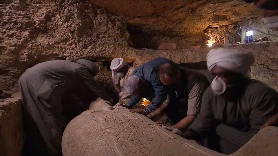Mısır'da 2 bin 500 yıllık lahit canlı yayında açıldı içinden çıkanlara bakın - Sayfa 3