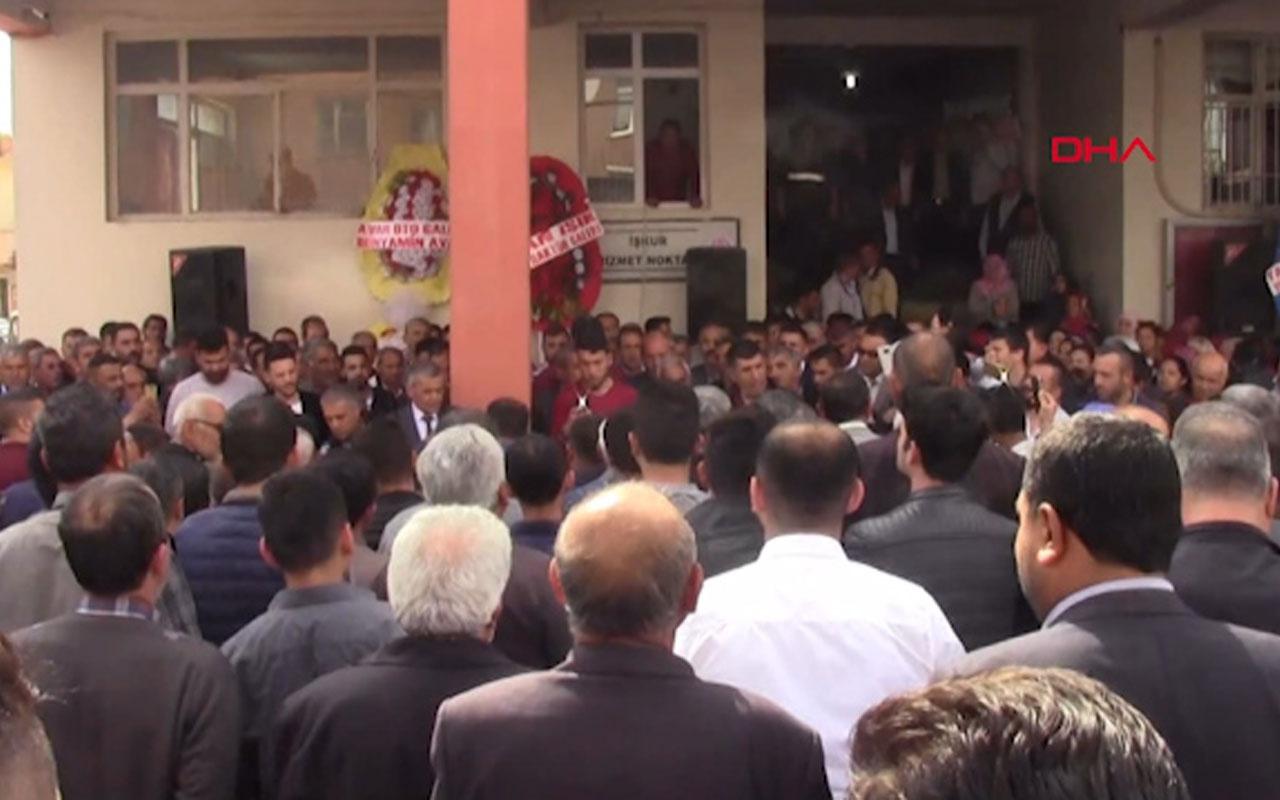 Adana İmamoğlu Belediye Başkanı tekbirlerle görevine başladı