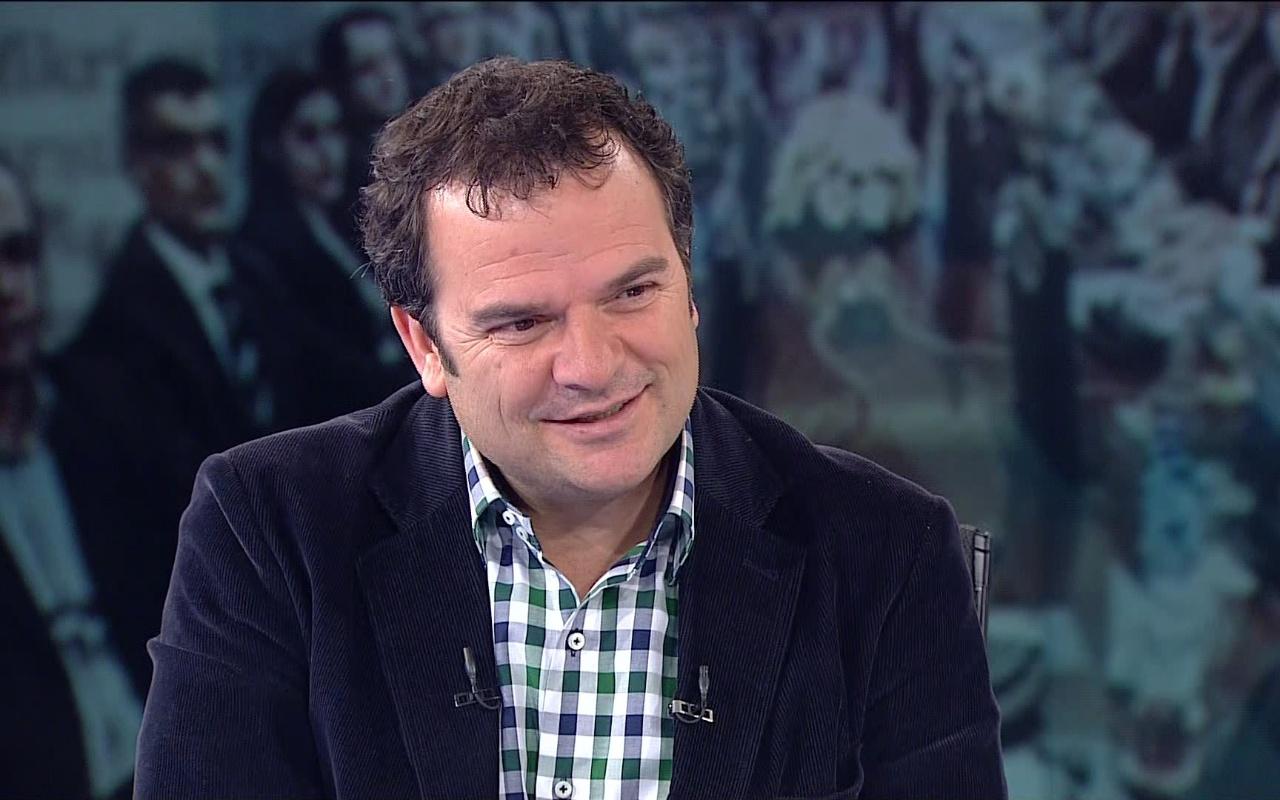 Kemal Öztürk'ten ezber bozan açıklamalar: CHP, AK Parti'nin fabrika ayarlarını kullanıyor