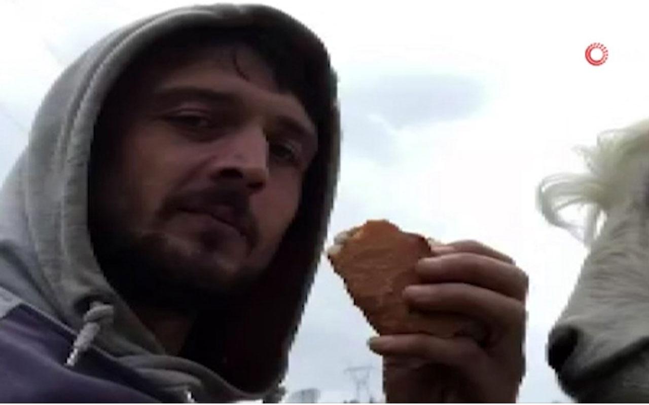 Keçi ile sahibinin ekmek kavgası kahkahaya boğdu