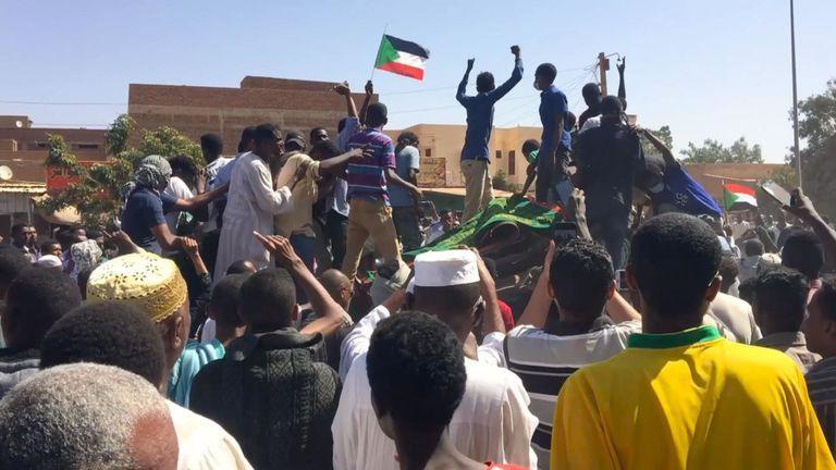Sudan gelini viral oldu! Darbeyi ateşleyen gelinin kim olduğu ortaya çıktı - Sayfa 1