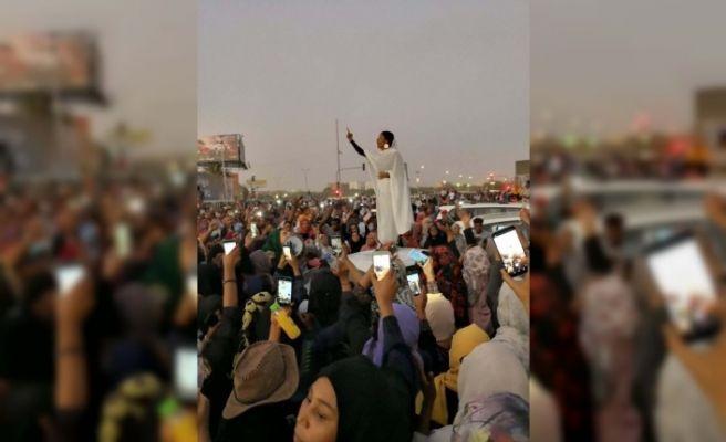 Sudan gelini viral oldu! Darbeyi ateşleyen gelinin kim olduğu ortaya çıktı - Sayfa 12