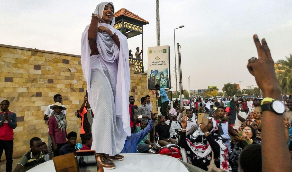 Sudan gelini viral oldu! Darbeyi ateşleyen gelinin kim olduğu ortaya çıktı - Sayfa 2