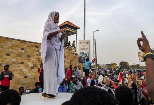 Sudan gelini viral oldu! Darbeyi ateşleyen gelinin kim olduğu ortaya çıktı - Sayfa 9