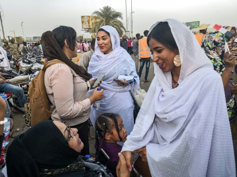 Sudan gelini viral oldu! Darbeyi ateşleyen gelinin kim olduğu ortaya çıktı - Sayfa 10