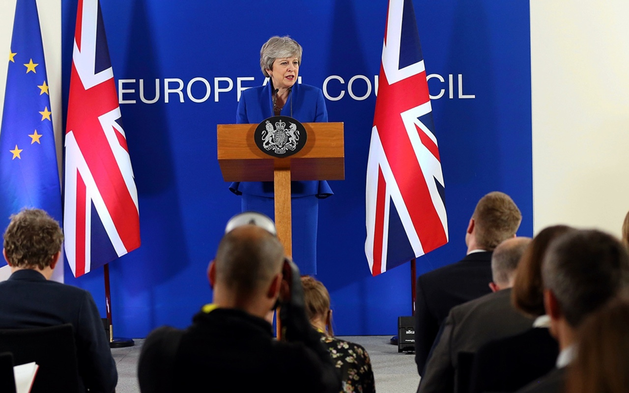 AB ve İngiltere Brexit'i 31 Ekim'e erteledi