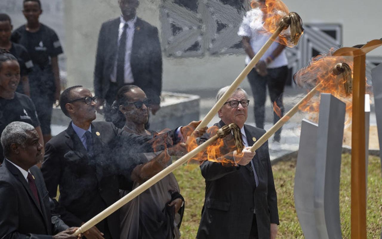 """""""Ruanda"""" anmasına katılan Juncker, First Lady'i yakıyordu! Son anda kurtuldu"""
