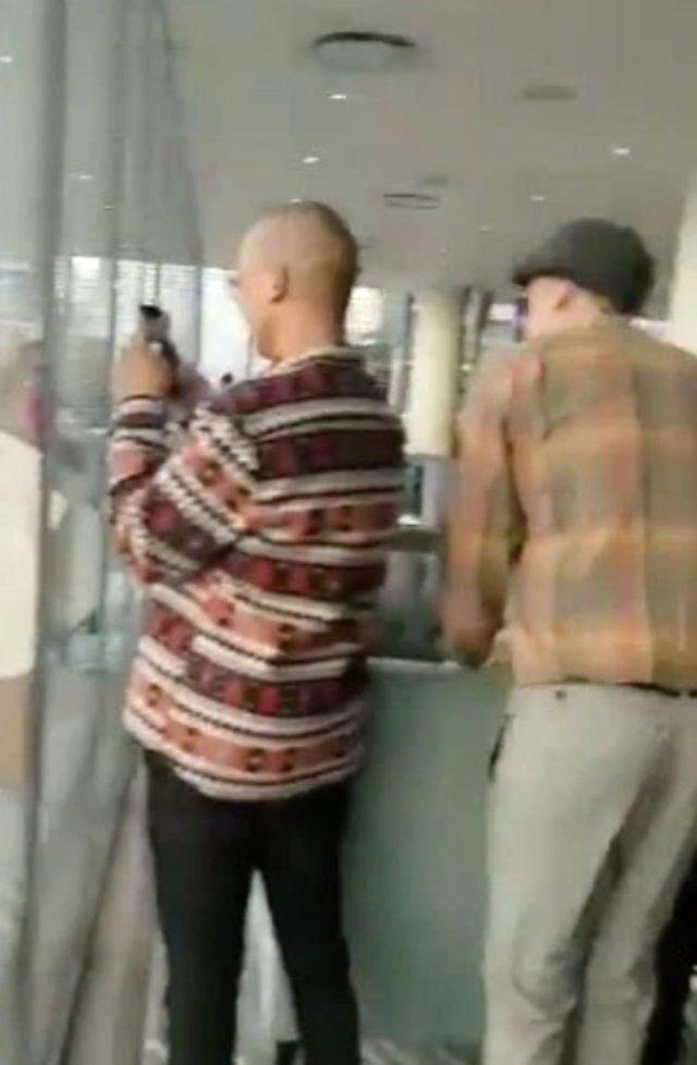 AVM'de rezalet! Çatıda cinsel ilişkiye girdiler Onlarca kişi karşı binadan izledi - Sayfa 4