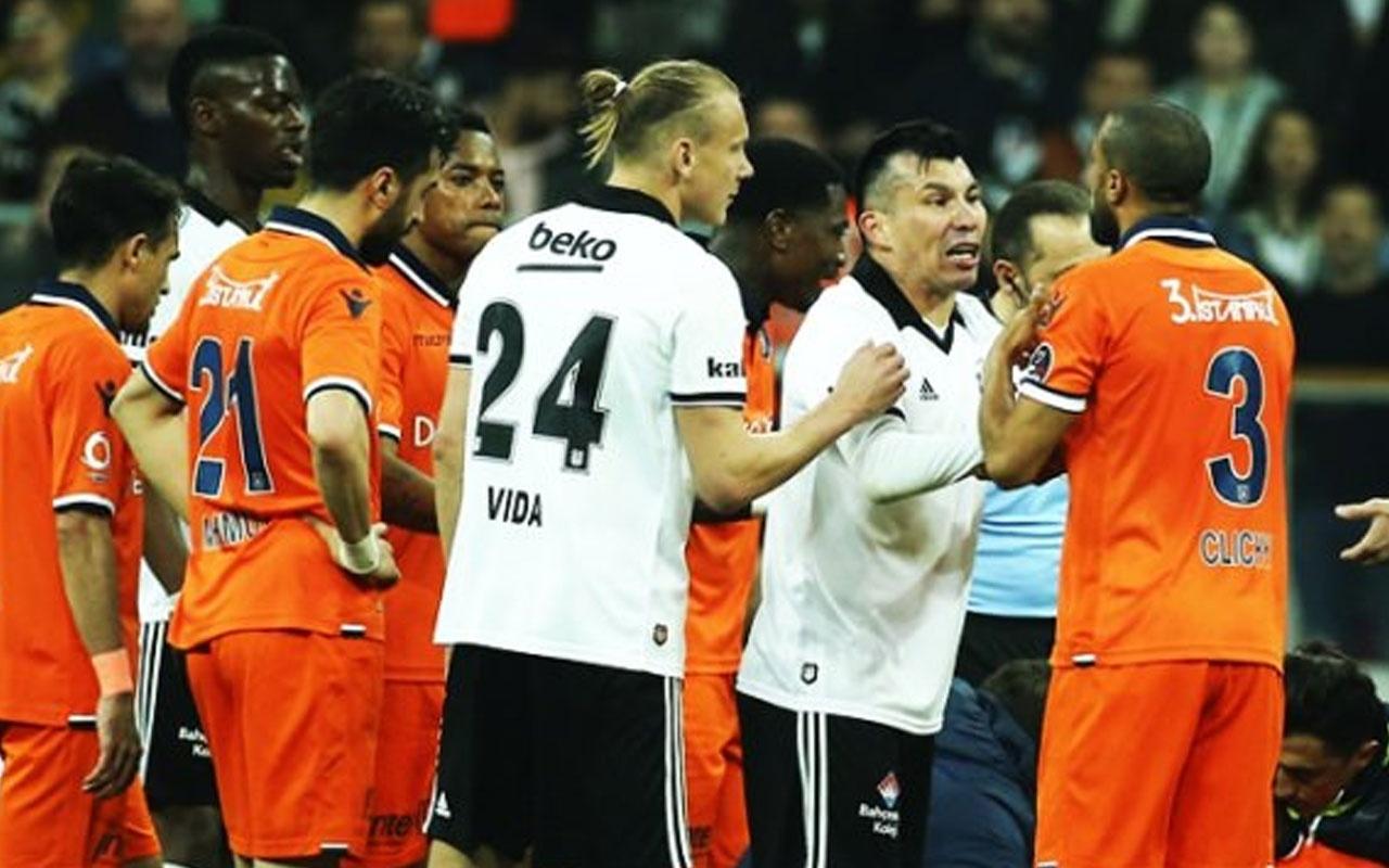 Beşiktaş'ta sakatlık kabusu! Oyunu terk etti