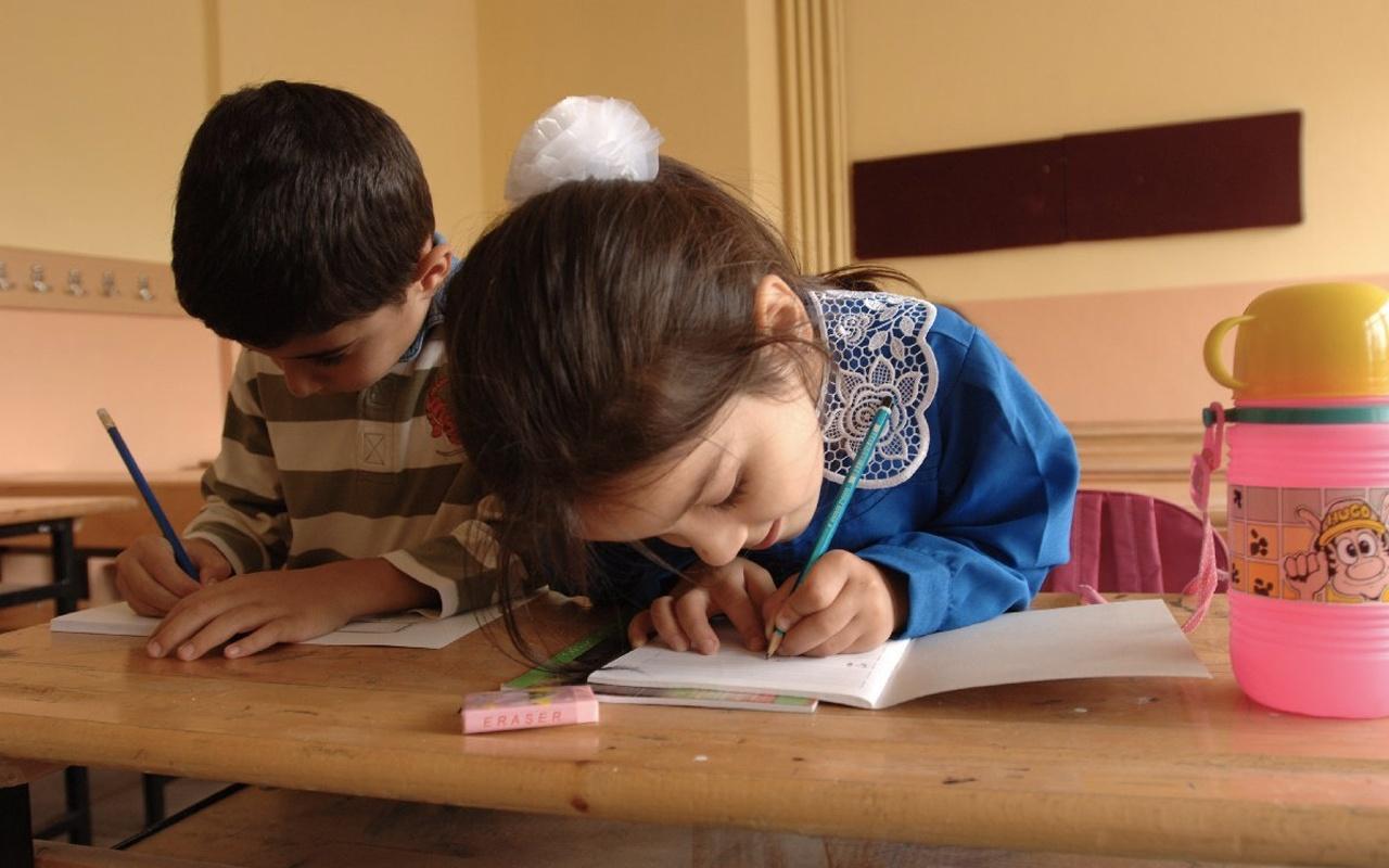 1. sınıflar ne zaman okula başlayacak MEB 1. sınıf yaşı kaç oldu?