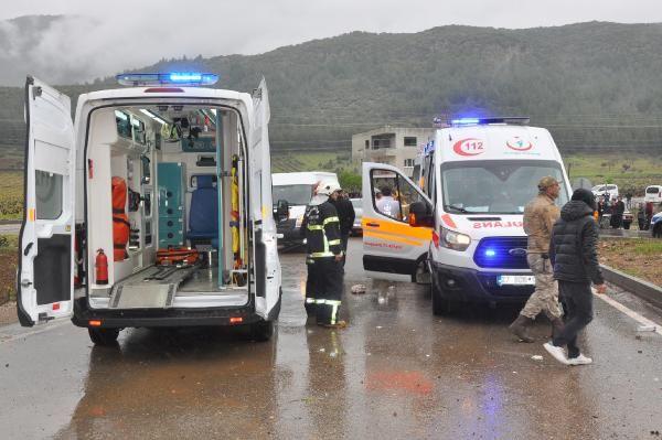 Korkunç kaza İslahiye'de otomobiller çarpıştı: 4 ölü, 12 yaralı - Sayfa 1