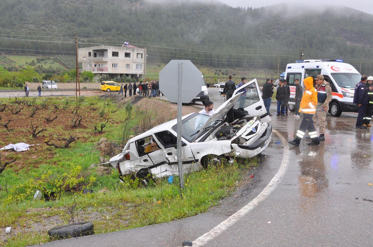 Korkunç kaza İslahiye'de otomobiller çarpıştı: 4 ölü, 12 yaralı - Sayfa 6
