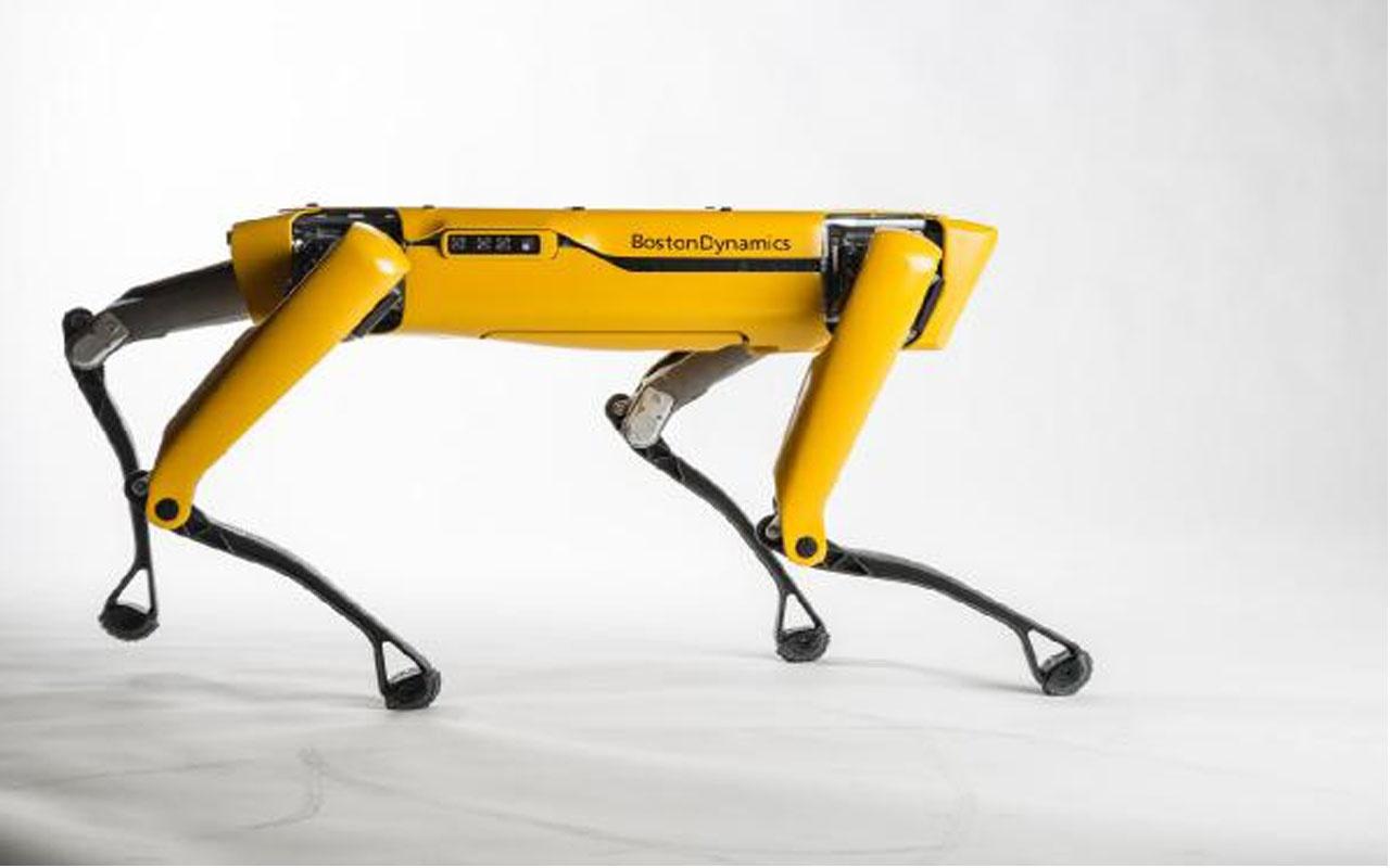 Bu robot bir kamyonu çekebiliyor!