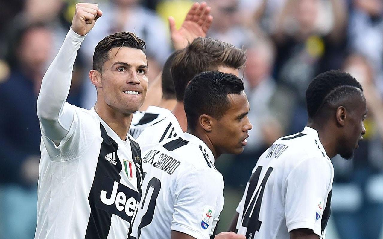 Juventus, 5 hafta kala şampiyonluğunu ilan etti Ronaldo tarihe geçti