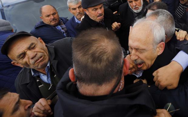 kemal kılıçdaroğlu yumruk atan osman sarıgün adam