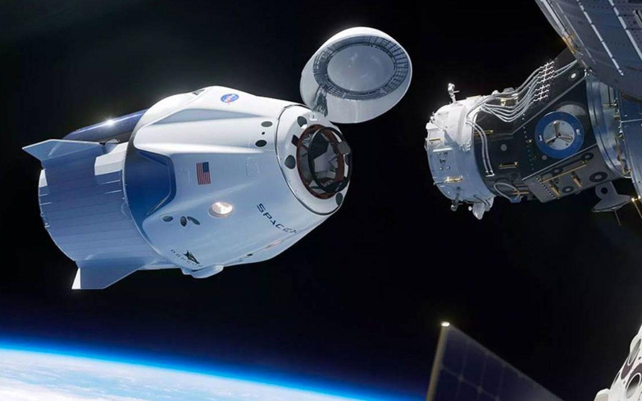 Space X'in göz bebeği Crew Dragon alev aldı