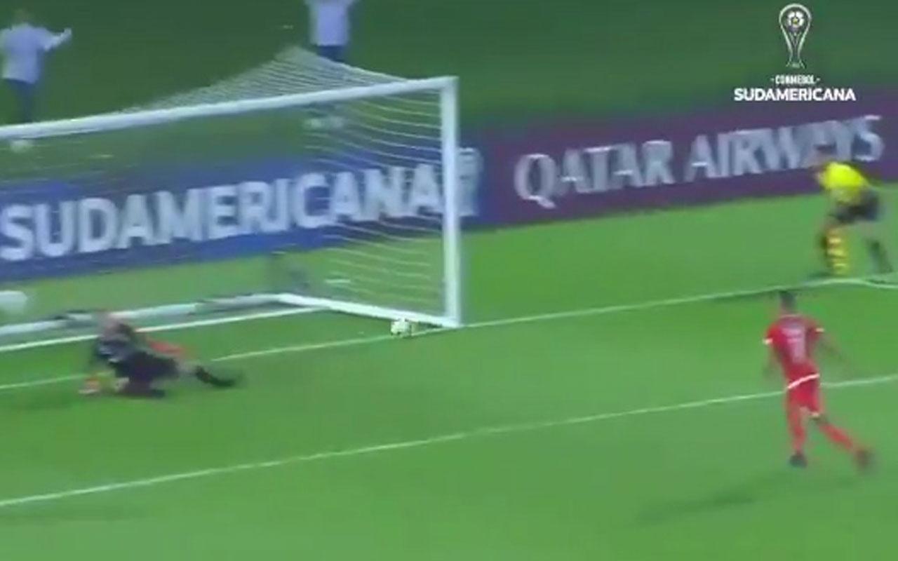 Brendix Parra penaltı atamadı takımdan kovuldu