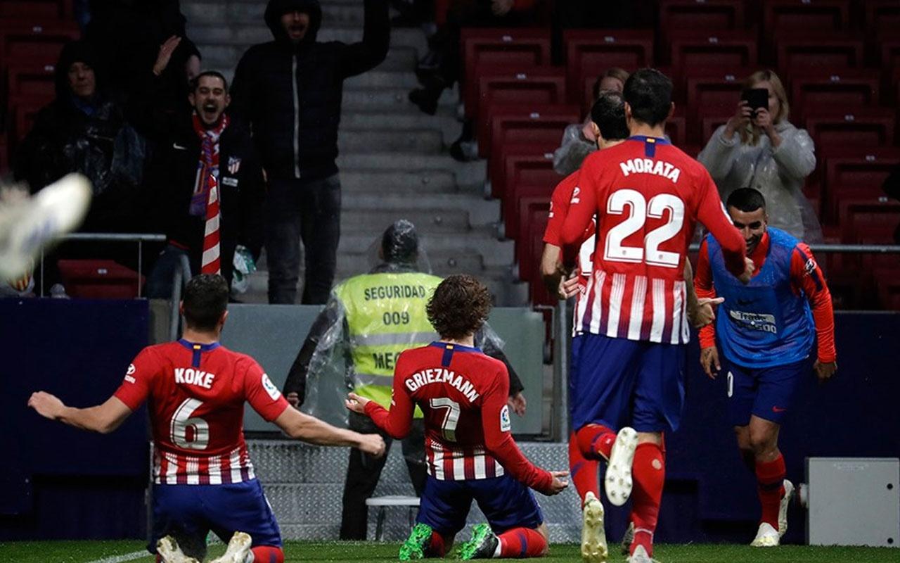 Atletico, Barcelona'nın şampiyonluğunu erteledi