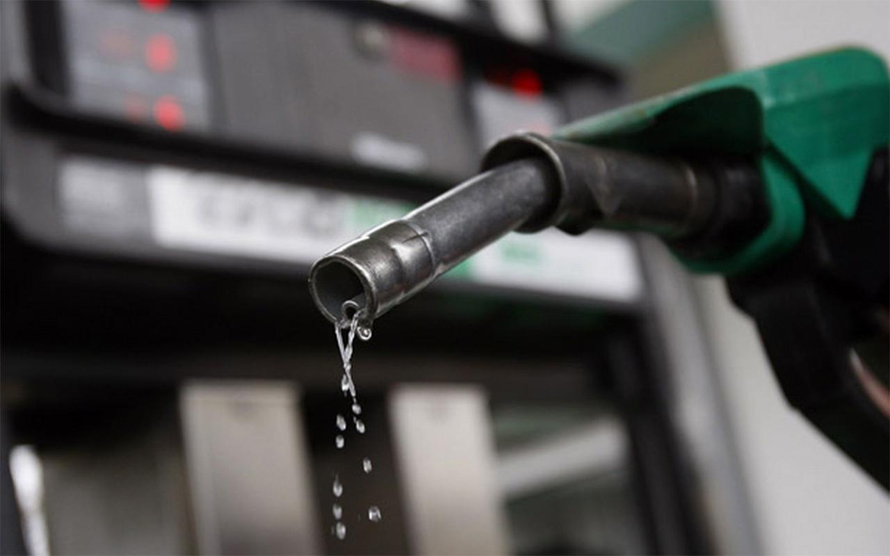 İzmir benzin fiyatları zam geldi kaç para oldu güncel pompa fiyatı