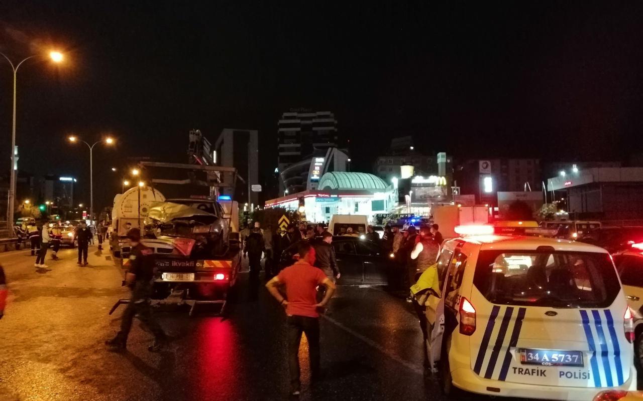 E-5 Karayolunu kitleyen kaza: 2 yaralı