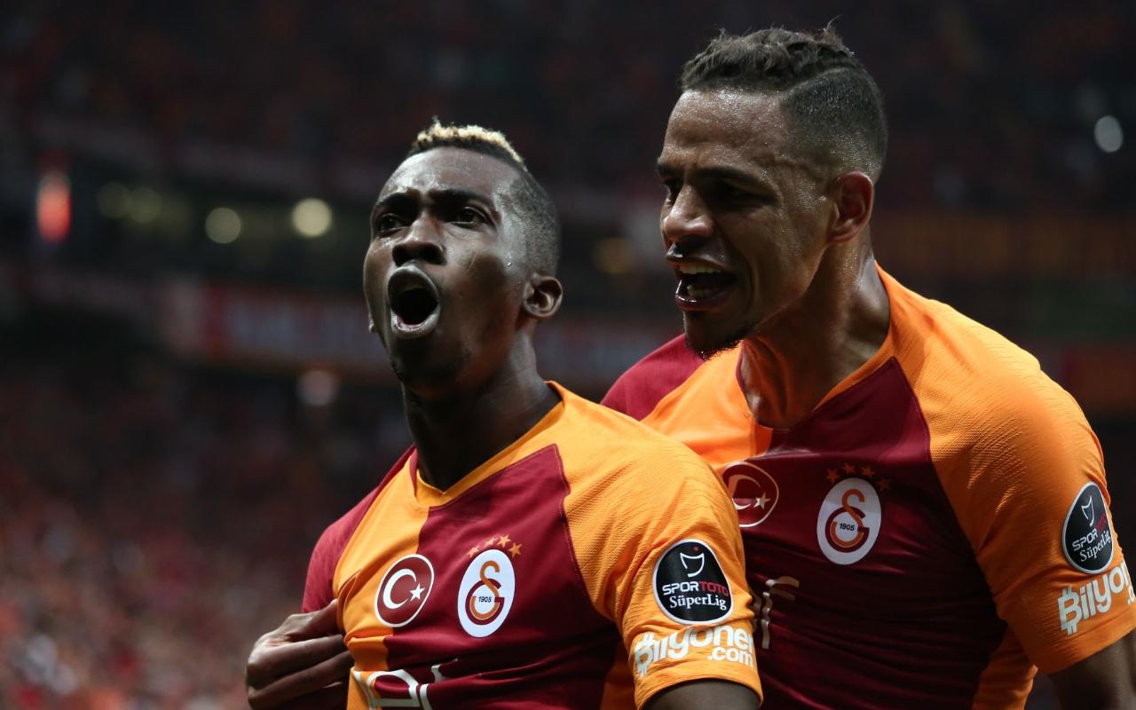 Galatasaray'ın ilk golünde Beşiktaş'tan büyük isyan!