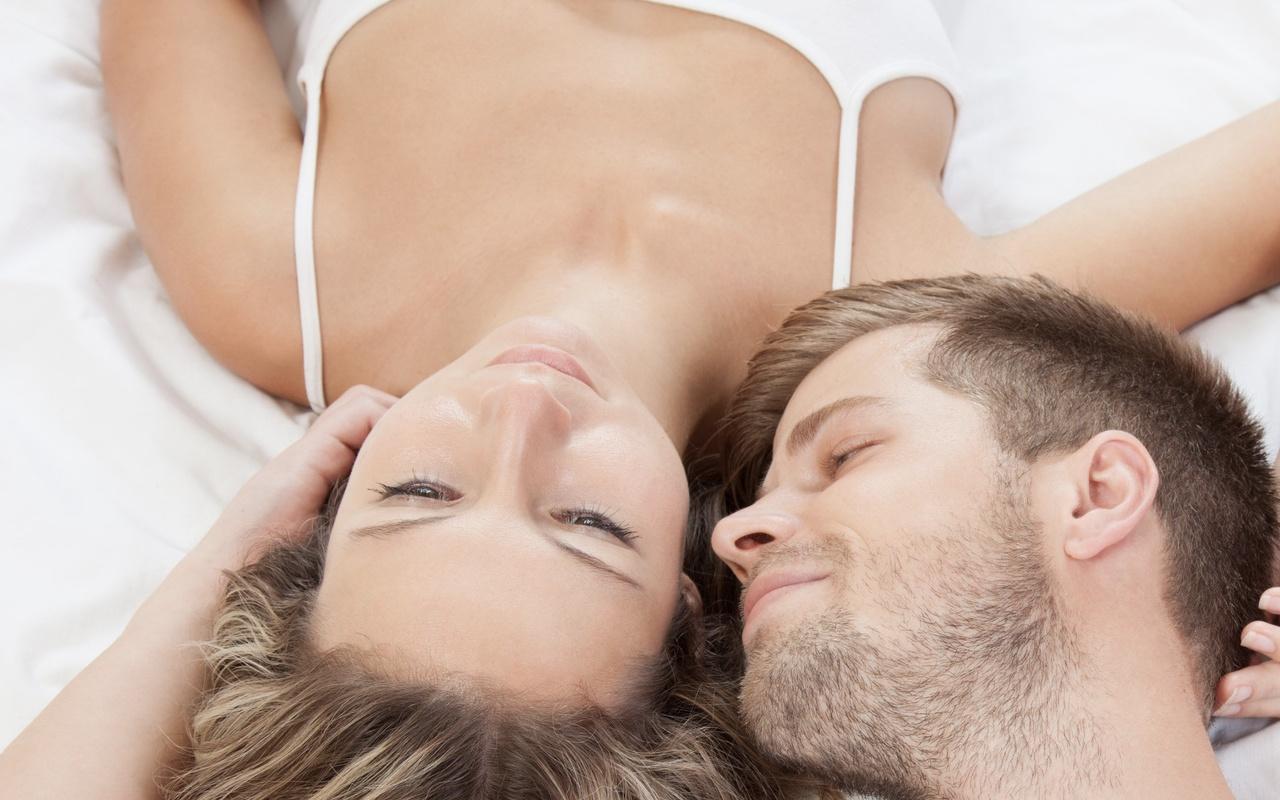 Uykuda cünüp olan birinin orucu bozulur mu kaza mi eder?