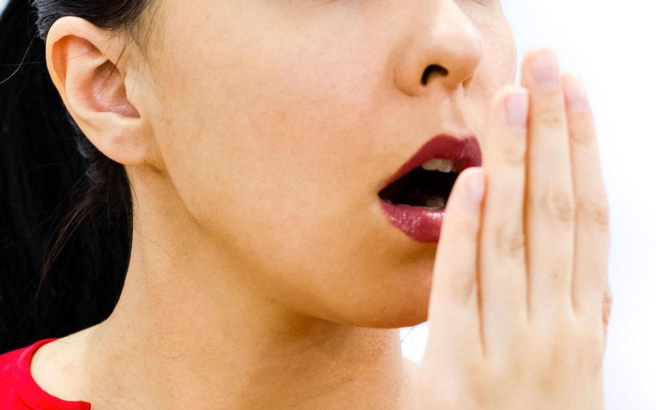 Diş fırçalamak orucu bozar mı ramazanda ağız kokusuna önlem