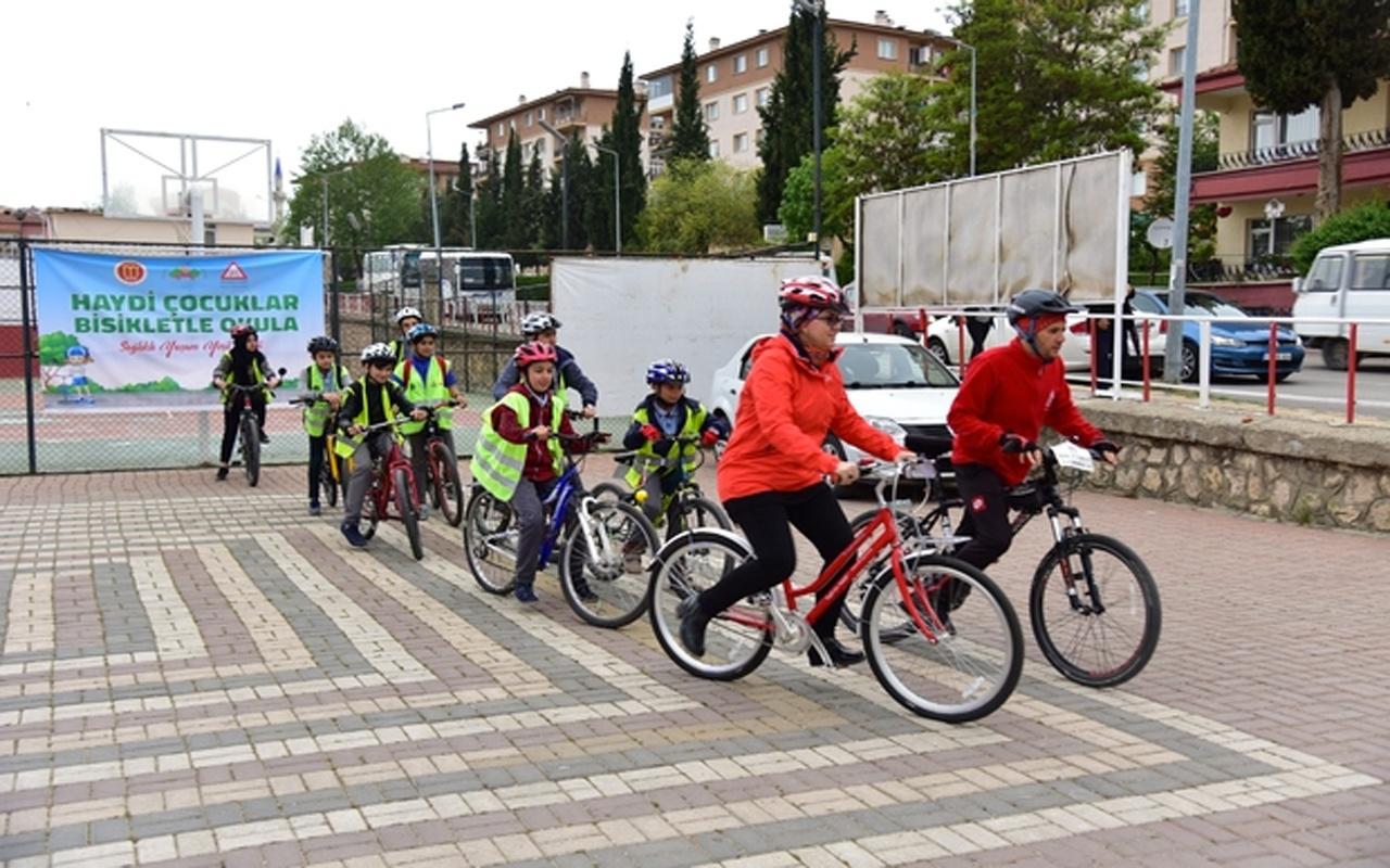 """""""Haydi Çocuklar Bisikletle Okula"""" etkinliğinin ikincisi düzenlendi"""