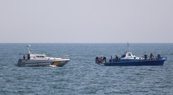 Ukrayna 3 Türk balıkçı teknesine el koydu - Sayfa 1